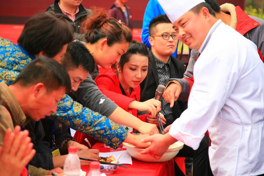 2016肥东(中国)地图土豆美食文化节_游包公故探包公故里美食底到底一
