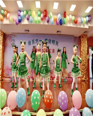 高兴六一  儿童医院举办文艺汇演献礼儿童节
