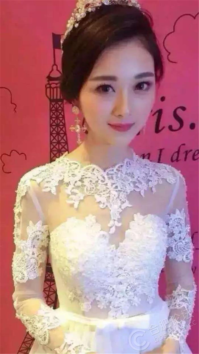 芭比款长袖性感齐地婚纱,个性,甜美,性感集于一身.jpg