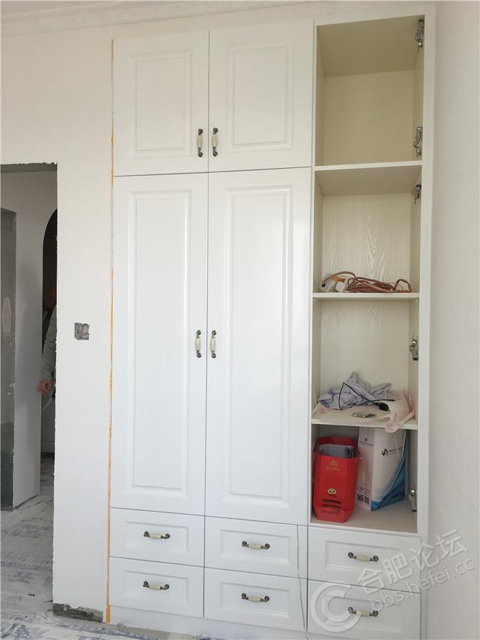 2书房柜门刷完漆.JPG