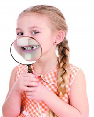 宝宝出牙慢,乳牙缝隙大,怎么办?