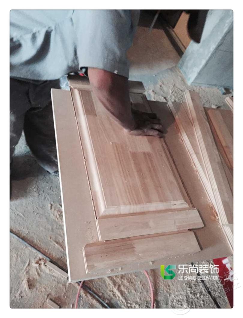 【合肥乐尚装饰】木工高手—手工制作橡木门