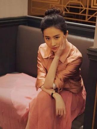 """一大批""""中年少女""""上线,刘亦菲也在其中?"""
