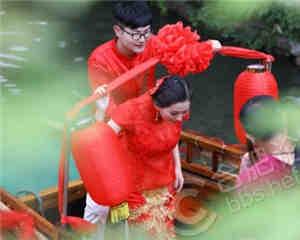 水乡周庄的婚礼