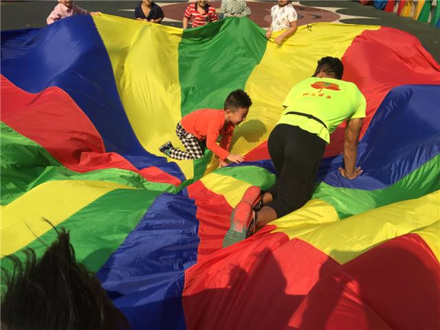 超级萌宝爬爬赛,草地上的萌宝盛典运动会来啦!【12.10】