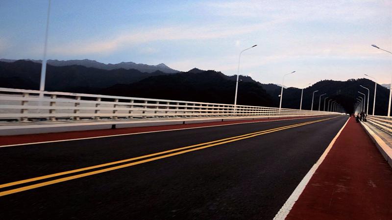 千岛湖骑行道.jpg