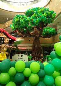 太拼啦!20万颗气球打造超大阵容童话乐园!