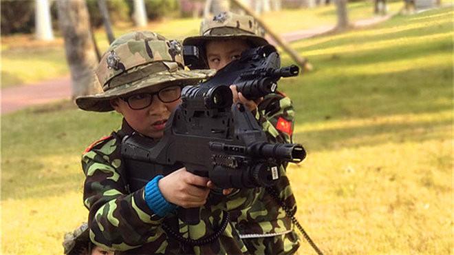 霸都小战狼集合啦!天鹅湖半日军事定向越野招募小小童子军,真人cs等你来挑战!
