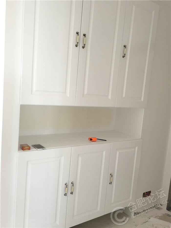 1玄关柜门刷完漆.JPG
