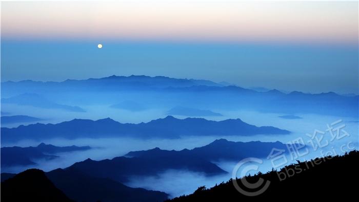 月是故乡明(作者:吴志刚).jpg
